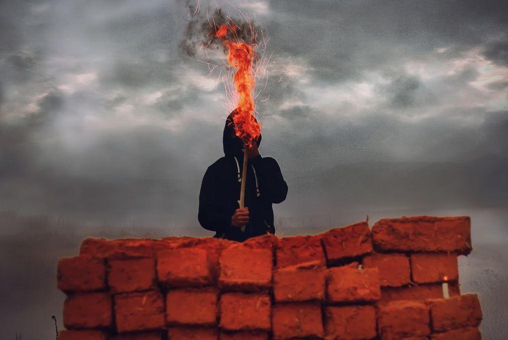 2018-07-04-11_05_50-Fire-breather-cloud-fire-and-street-HD-photo-by-Aziz-Acharki-@acharki95-on-U